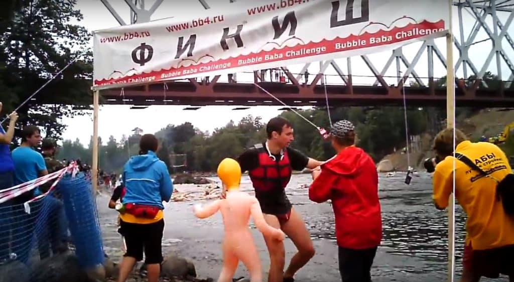 Bubble Baba Challenge - Gummipuppen Schwimmen