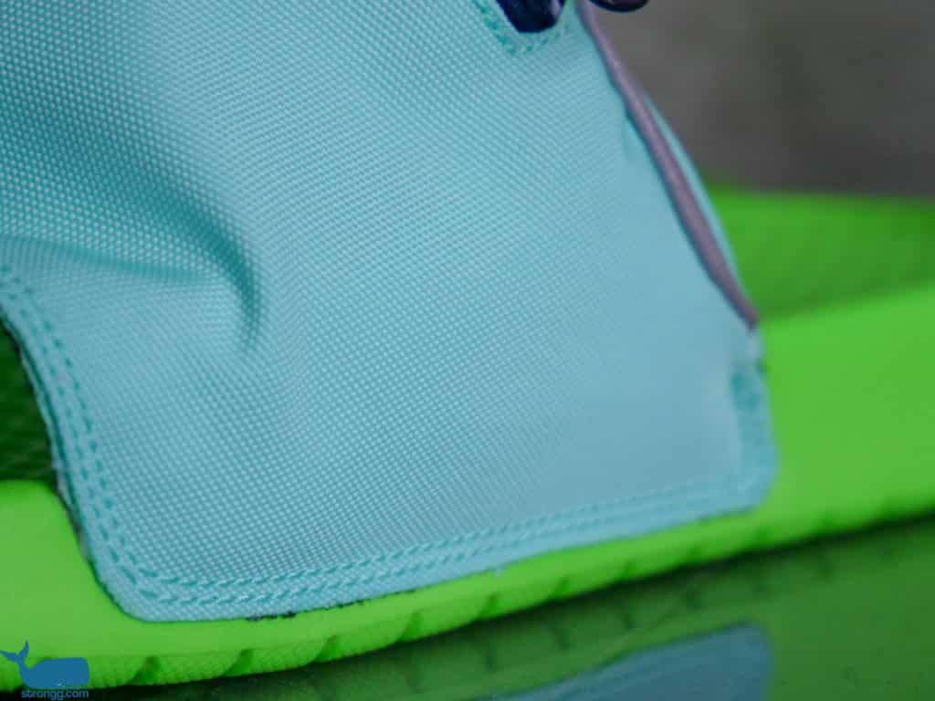 Badelatschen mit Tasche