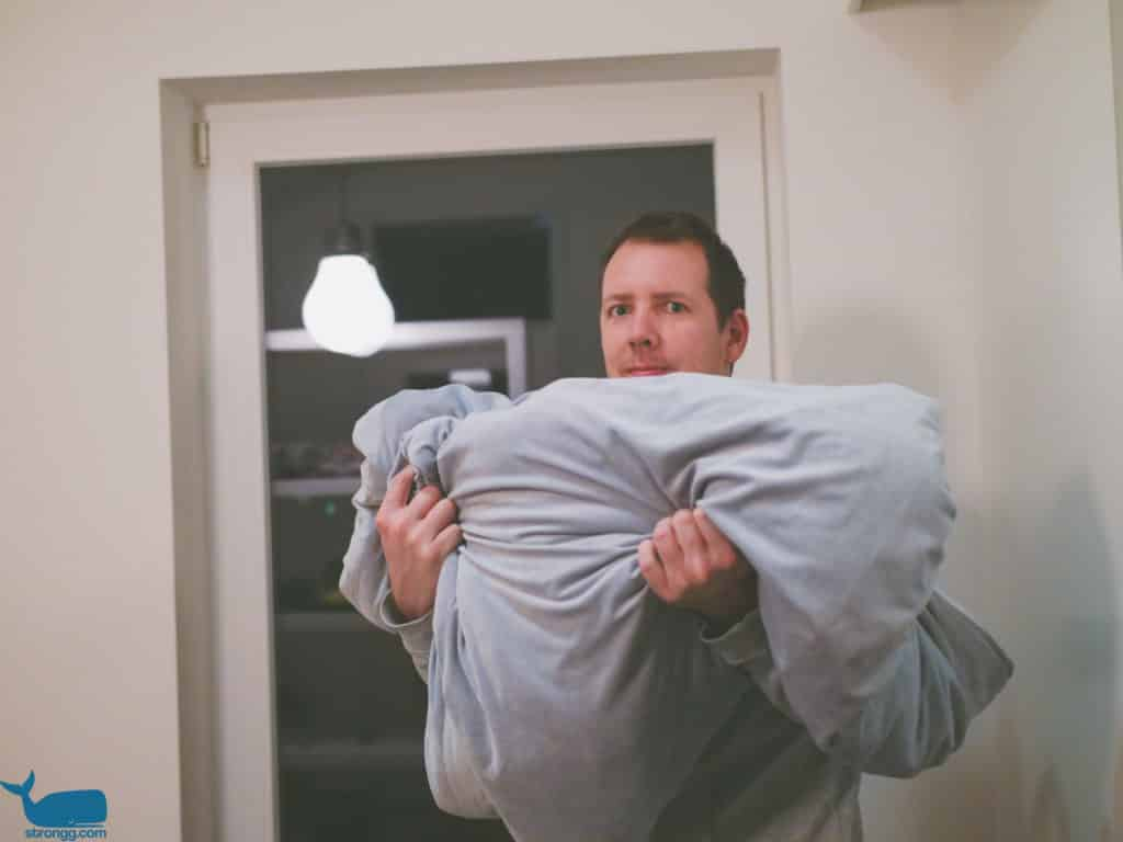 Schlafen mit Gewichtsdecke
