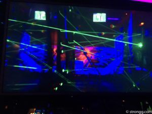 Richtig schwierig: Laser Limbo in Berlin