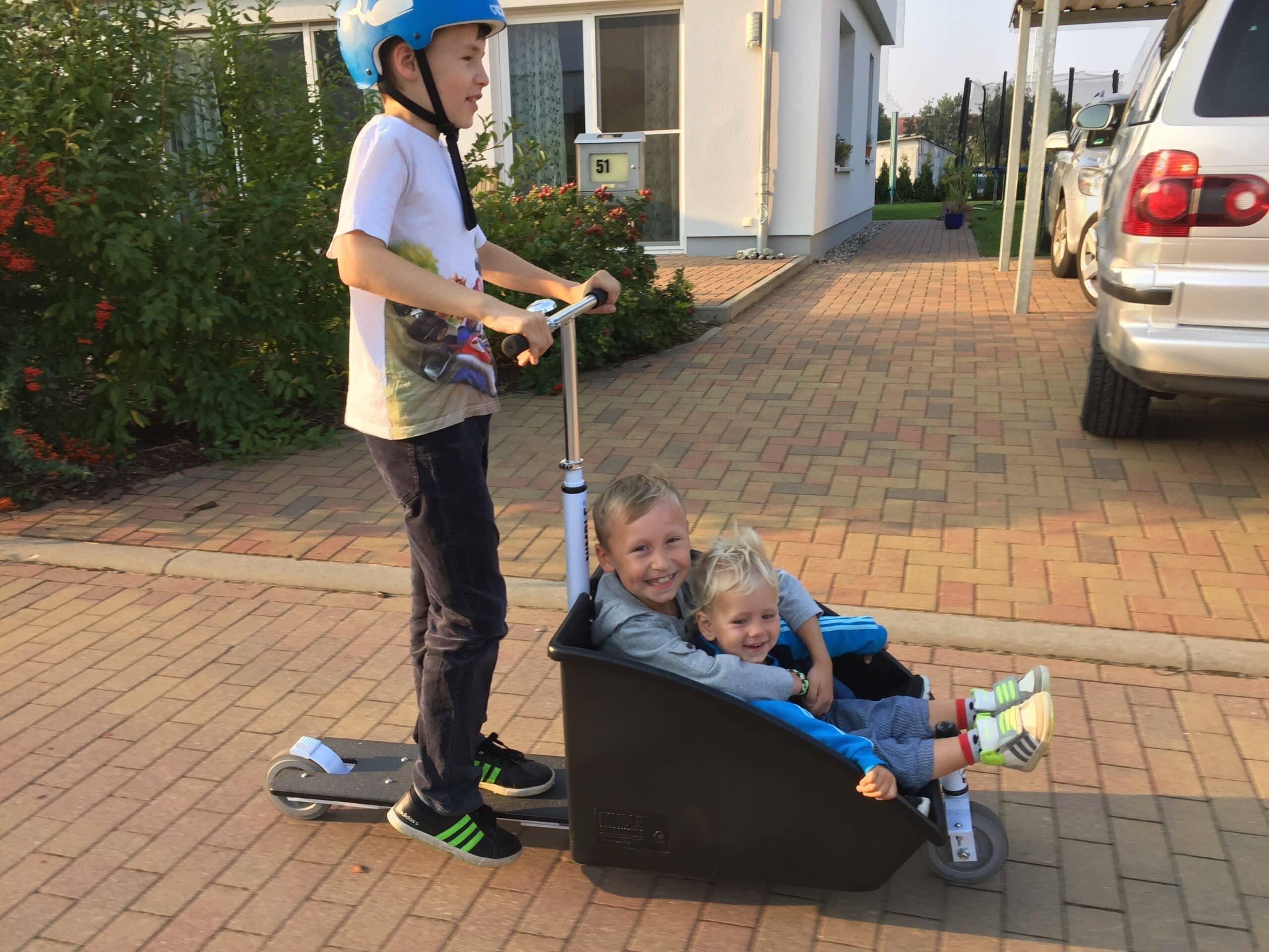 Nimble Scooter mit Gepäckbox