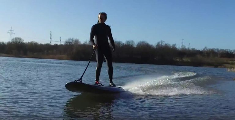 Lampuga Elektro Surfboard Test