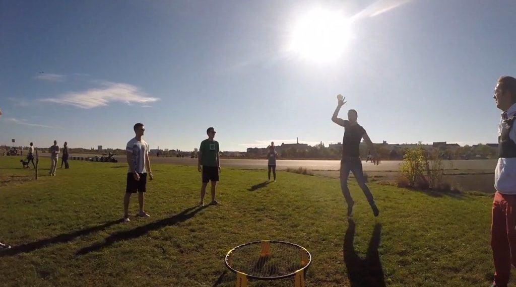 Freizeitideen: Spikeball Test